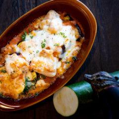 国産鶏と旬野菜のトマトソースグラタン